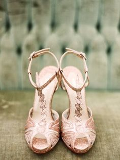 Gorgeous! sparkling pink glitter wedding shoes. open toe