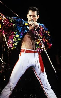 News Photo : Freddie Mercury of Queen, 1982 Tour at the. King Of Queens, Roger Taylor, We Will Rock You, Somebody To Love, Queen Freddie Mercury, Queen Band, Brian May, John Deacon, Killer Queen