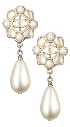0b803ac9be4c Chanel Spring Summer 2016 Accessories Chanel Pearls