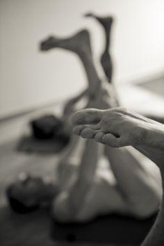 Skyclad yoga massage