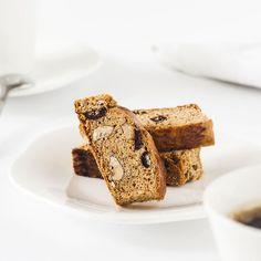 Gâteau au miel de lavande Gateaux Cake, Banana Bread, Desserts, Food, Cooking Food, Eat, French Recipes, Orange Blossom, Lavender