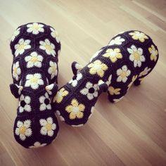 Two little cuties! Happypotamus crochet pattern by Heidi Bears.