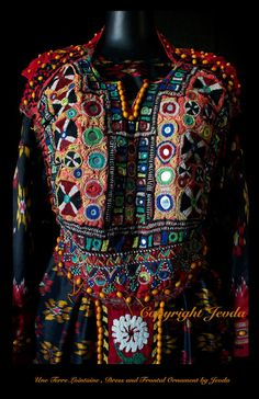 UNE TERRE LOINTAINE , Dress and Frontal Ornament by Jevda
