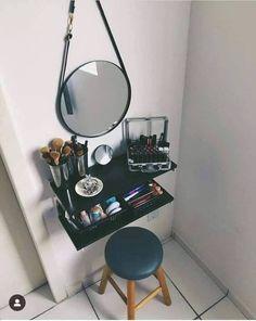 Grown Up Bedroom, Small Room Bedroom, Room Decor Bedroom, Diy Room Decor, Bedroom Design Inspiration, Desk Inspiration, Vanity Makeup Rooms, House Furniture Design, Uni Room