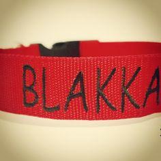 Obojek s vyšitým jménem od Blackberry | Collar with embroidered name by Blackberry #collar #blakka #embroidery #name #customized #dog #red #blackberry #pes #vysivka #jmeno #cervena