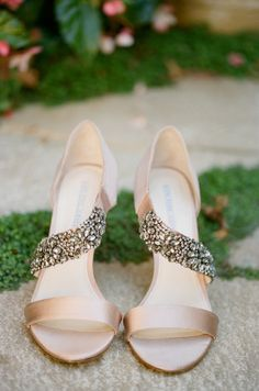 Bridal accessories. Gold wedding shoes. Wedding shoes with sparkle.