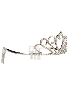 Bride Tiara ~ By: Black Queen http://www.wedding.com.my/category-accessories-and-shoes/2
