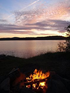 Campfires and lakes lindsay_v  http://media-cache3.pinterest.com/upload/49258189643875049_OzgUDbGx_f.jpg