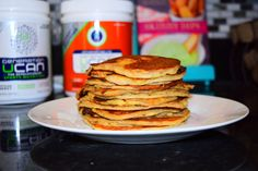 UCAN banana pancakes // Lately I have been on a mission to make UCAN not only a drinkable pre-workout, post-workout, or general snack, but an edible one as well. I started with some simple UCAN Peanut Butter balls which I eat as a snack or pre/during run fuel. I then modified a new favorite banana pancake recipe by Cookie