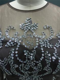 89f46b69c Real Photo Elegante Brown Mãe da Noiva Vestidos de Mangas Longas de Cristal  Frisado Plissado Uma Linha De Cetim Vestidos de Noivo Mãe FM04
