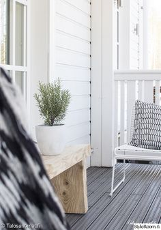 hay,yrtti,piha,terassi,betoniruukku Outdoor Spaces, Outdoor Living, Outdoor Furniture, Outdoor Decor, Terrace, Exterior, Cottages, Balcony, Home Decor