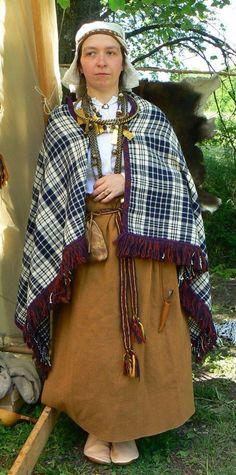 Dzelzs laikmeta un krusta karu perioda tērpu rekonstrukcijas Folk Clothing, Medieval Clothing, Medieval Costume, Iron Age, Rich People, Historical Costume, Costumes, Outfits, Clothes