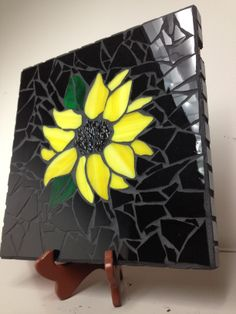 ideas for mosaic sunflower art Mosaic Tile Art, Mosaic Pots, Mosaic Garden, Mosaic Crafts, Mosaic Projects, Stained Glass Projects, Stained Glass Patterns, Mosaic Patterns, Mosaic Glass