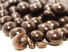 Gourmet Sugar Free Chocolate Espresso Beans by Its Delish Shop Online! Chocolate Coffee Beans, Chocolate Covered Espresso Beans, Chocolate Espresso, Sour Belts, Sugar Free Dark Chocolate, Jordan Almonds, Candy Buffet, Gourmet Recipes, Delish