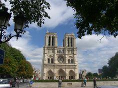 Thanks sis for a wonderful trip...Notre Dame, Paris
