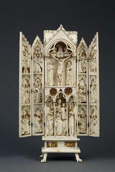 Triptico en marfil ca. 1320  Museo Victoria y Alberto  Londres