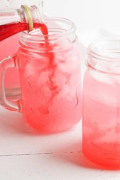 Party Food Pink Lemonade Punch Pink Punch Recipe Non Alcoholic, Pink Punch Recipes, Pink Lemonade Recipes, Party Punch Recipes, Alcohol Drink Recipes, Pink Lemonade Punch, Lemonade Punch Recipe, Best Punch Recipe, Pink Party Drinks
