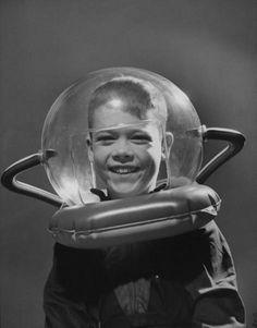 Future space traveler 1950s