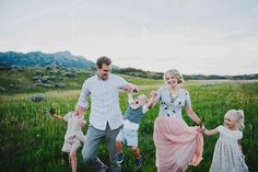 Beautiful Hillside Family Photos by Lori Romney Photography - Beauty and Lifestyle Mommy