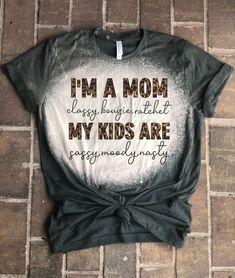 Vinyl Shirts, Mom Shirts, Cute Shirts, Funny Shirts, Kids Shirts, Bleach Shirt Diy, Diy Shirt, Cute Shirt Designs, Sublime Shirt