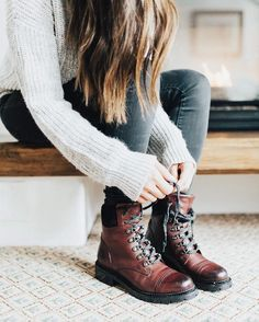Lacing up in the Samantha Hiker   The Frye Company