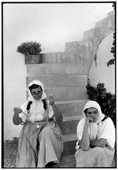 "Mother and daughter. ""A Greek Portfolio"" © Costa Manos/Magnum Photos Old Greek, Greek Art, Greece Photography, Street Photography, Greek Traditional Dress, Empire Ottoman, Greece Pictures, Black And White Face, Photographer Portfolio"