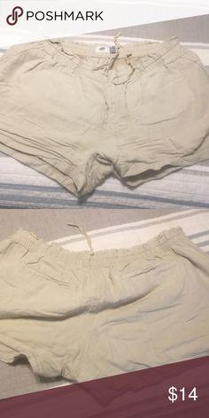 Old navy shorts Kid navy cargo shorts Khaki color Drawstring Size L Good condition Old Navy Shorts Cargos