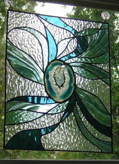 stained glass panel what a great idea to put a geode slice in it! Stained Glass Paint, Stained Glass Designs, Stained Glass Panels, Stained Glass Projects, Stained Glass Patterns, Leaded Glass, Mosaic Art, Mosaic Glass, Glass Art