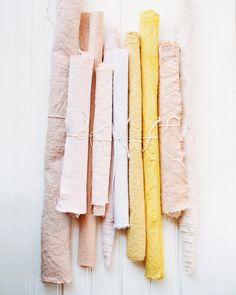 natural dye gives the BEST colors to your fabric. DIY by @birddogwedding on the blog. by designlovefest