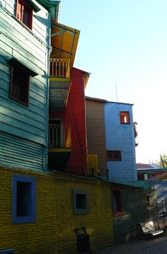 Classic BsAs imagery - colourful houses in La Boca.