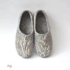 Eco a mano agradable zapatillas fieltro de lana por RitaJFelt