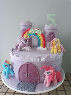 Little Pony fondant cake.  Instagram @crea.sian