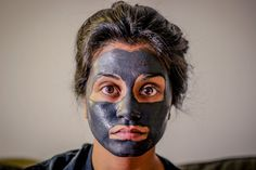 Love homemade face masks that are both great for your skin AND edible? We scoured the internet for all THE best homemade face masks that are easy to whip up and actually produce glowing results! Read on to get glowing! Acne Prone Skin, Oily Skin, Easy Homemade Face Masks, The Face, Acne Causes, Charcoal Mask, Best Face Mask, Peeling, Skin So Soft