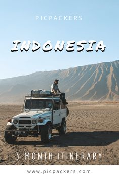 The best of 3 months travelling trough whole Indonesia! For your perfect travel experience Komodo National Park, National Parks, Komodo Island, Another Day In Paradise, Komodo Dragon, Before Sunset, Little Island, Amazing Sunsets, Beautiful Sunrise