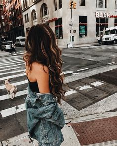 instagram : eviesparks caption : i like ur city but my kingdom's better @alexandriasparksthorne tagged : @alexandriasparksthorne