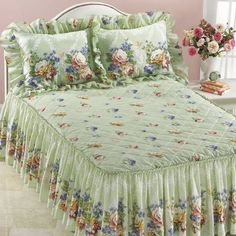 How To Style A Bed Pillows Decorating Ideas Best Ideas Silk Bed Sheets, King Size Bed Sheets, Cheap Bed Sheets, King Bedding Sets, Luxury Bedding Sets, Comforter Sets, Teen Bedding, Cotton Sheets, Bed Cover Design