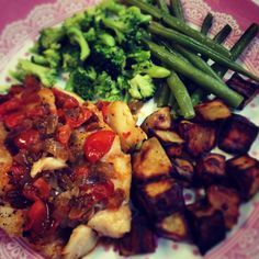 Pan fried cod with salsa, green veg and roast potatoes. Free on slimming world. Healthy recipe