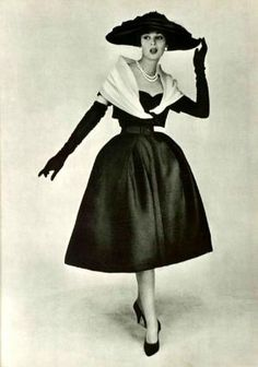 Christian Dior Vestido de 1956: Forma da cintura / vestido chama a minha atenção. por Lula