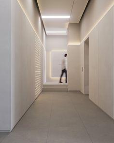 Modern Office Design, Office Interior Design, Office Interiors, Modern Offices, Lobby Interior, Interior Architecture, Hotel Corridor, Feature Wall Design, Elevator Lobby