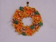 幸運の黄色いリース Floral Wreath, Wreaths, Home Decor, Floral Crown, Decoration Home, Door Wreaths, Room Decor, Deco Mesh Wreaths, Home Interior Design