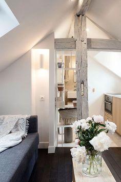 Decor, Interior Design, Little House, Small Spaces, Interior, Classic Interior Design, Studio Decor, Tiny House Living, Home Decor