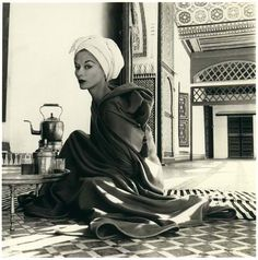 wilhelmina cooper 1960s, caftan dress...th beautyere's something regal and mysterious and gypsy-esque in this sophisticated