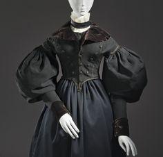 Riding Spencer, circa 1835, European, woven wool, silk velvet, and plain-weave linen.