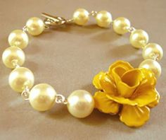 A Weekend Wedding - Mustard Yellow & Plum Purple Yellow Plums, Mellow Yellow, Yellow Roses, Mustard Yellow, Flower Bracelet, Pearl Bracelet, Jewelry Crafts, Handmade Jewelry, Yellow Pearl