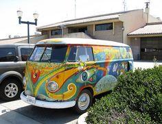 Volkswagen Minibus, Vw T1, My Dream Car, Dream Cars, Vw Hippie Van, Flower Power, Little Miss Sunshine, Retro Campers, Vintage Vans