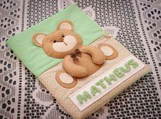 Capa cartão de vacina Urso verde e bege