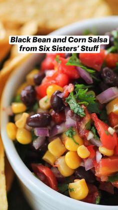 Appetizer Dips, Appetizer Recipes, Snack Recipes, Cooking Recipes, Healthy Recipes, Salsa Guacamole, Corn Salsa, Bean Recipes, Hominy Recipes