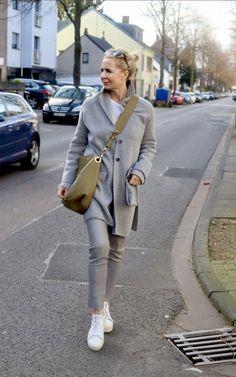 Die Instagram Styling Best-of von Bibi Horst, Stilexpertin 50+   Stilexperte für Styling und Anti-Aging 45+ Older Women Fashion, Fashion Over 50, Work Fashion, Womens Fashion, Classic Outfits, Stylish Outfits, Mode Ab 50, Dress Code Casual, Clothes For Women Over 50