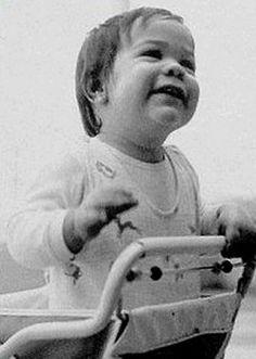 [BORN] Keanu Reeves / Born: Keanu Charles Reeves, September 2, 1964 in Beirut, Lebanon #actor