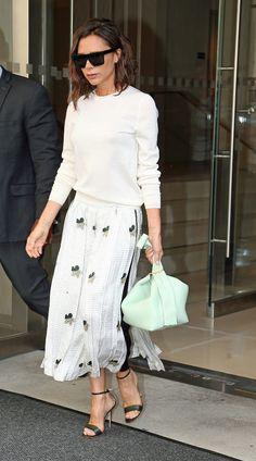 Los trucos de Victoria Beckham para vestir esta primavera | Telva.com